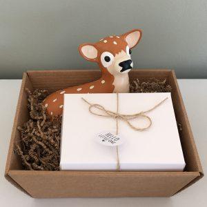 Baby geschenk set Spaarpot hert, Zwart wit mijlpaalkaarten